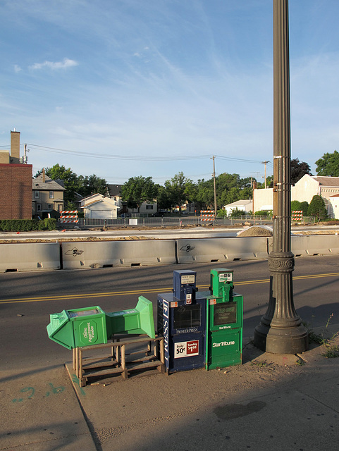 Typical St. Paul streetscape, unremarkable.