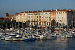 St RAPHAEL: Le port.