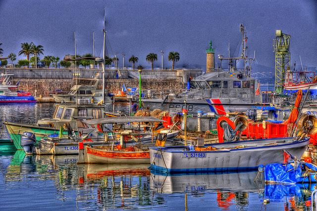 SAINT-RAPHAËL: Le vieux port. (HDR)