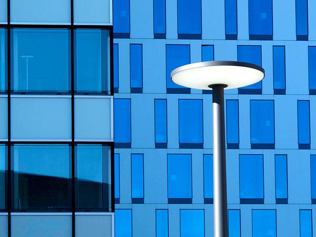 mono (blau)