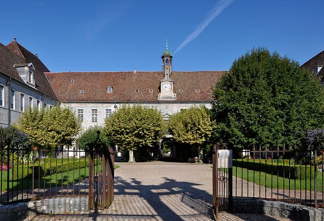 BESANCON: Ancienne  entrée de l'hopital St Jaques.