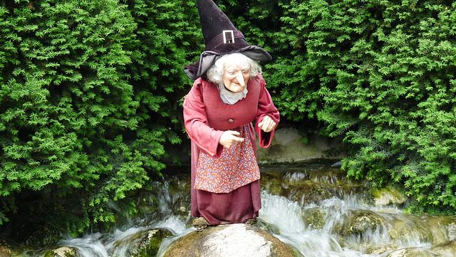 EUROPAPARK: Une sorcière.