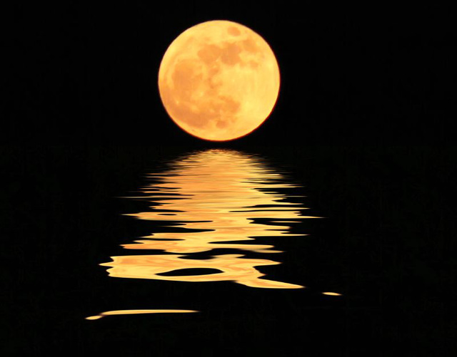 Moonset, not a sunset;-)