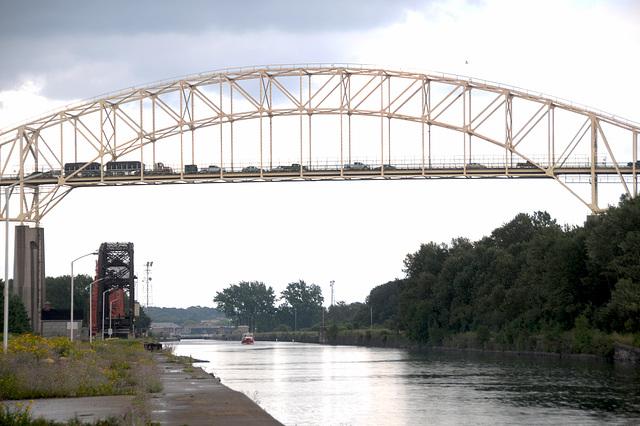 Bridge over the Canadian Lock