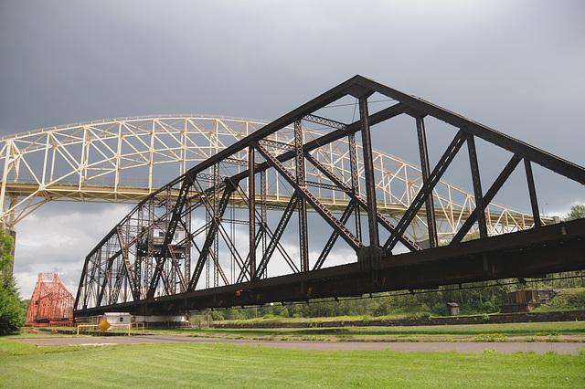 Sault bridges