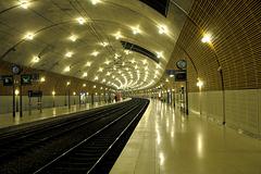 MONACO: La gare souterraine.