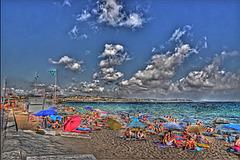FREJUS: La plage près de Port-Fréjus