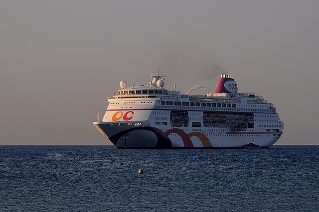 FREJUS: Escale d'un bateau de croisière...