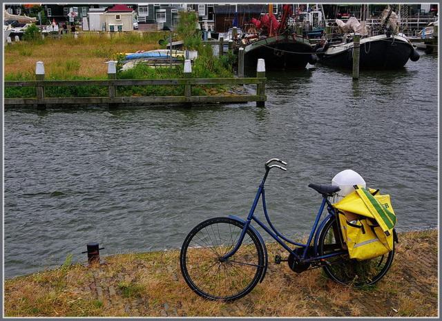 Marken ...  eau ... vélo ... bateau  ...!