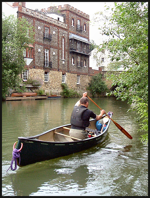 canoeist at Folly Bridge
