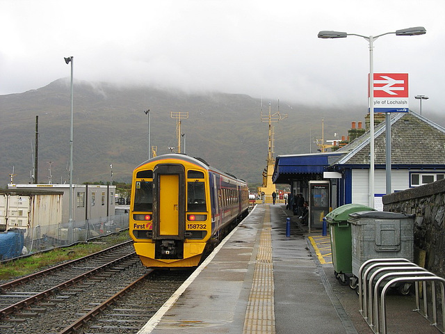 158732 waits to depart Kyle