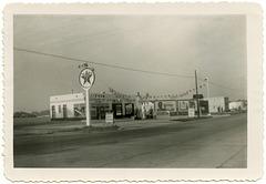 Simon's Texaco Station, Eau Claire, Wisc., Sept. 12, 1952