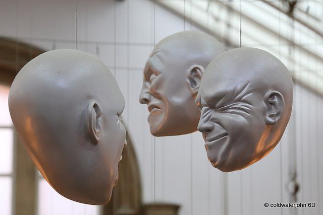 Floating Heads in Kelvingrove