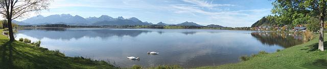 Blick über den See nach Westen. ©UdoSm