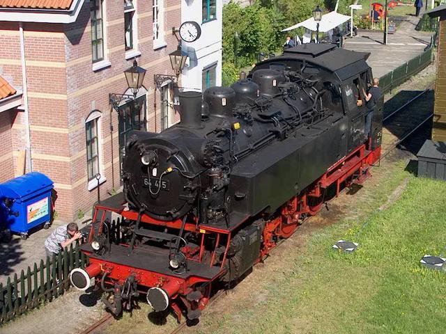 VSM 64 415 te gast in Hoorn