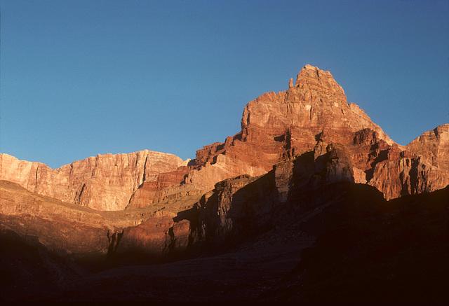 2-06-cliff_view_ig_adj
