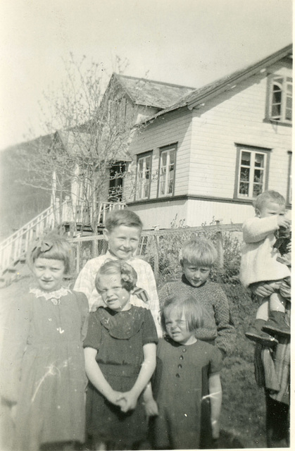 (490) Ukjent, ukjent, Åse Yttergård Hjertø, Solbjørg Yttergård Paulsen, Arild Yttergård, Synnøve Yttergård Reitan