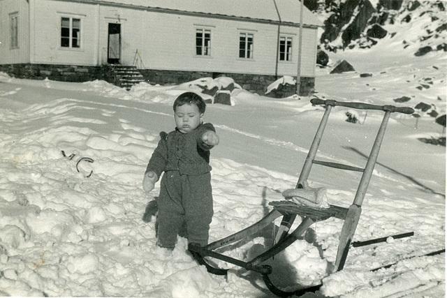 (501) Ure i Lofoten: Hilma (Svendsen) Solem og Lisbeth Andreassen