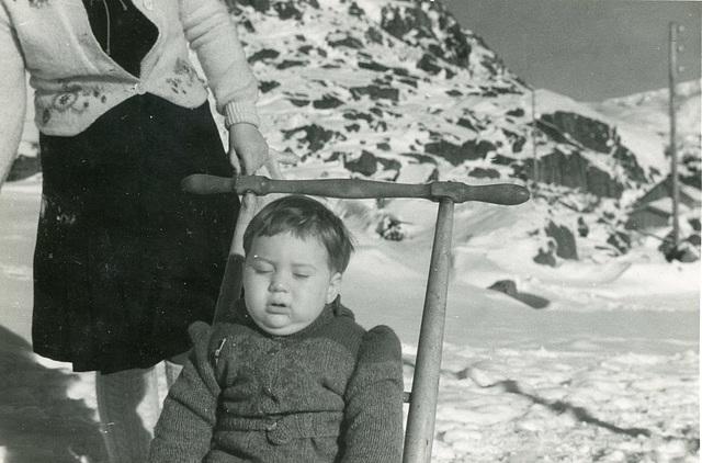 (506) Ure i Lofoten: Hilma (Svendsen) Solem og Lisbeth Andreassen