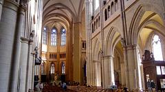 DIJON: Cathédrale Saint Bénigne. (HDR)
