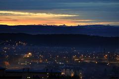 BELFORT: 21 décembre 2010:Levé du soleil sur les alpes.