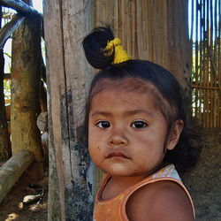 menina guarani mbyá