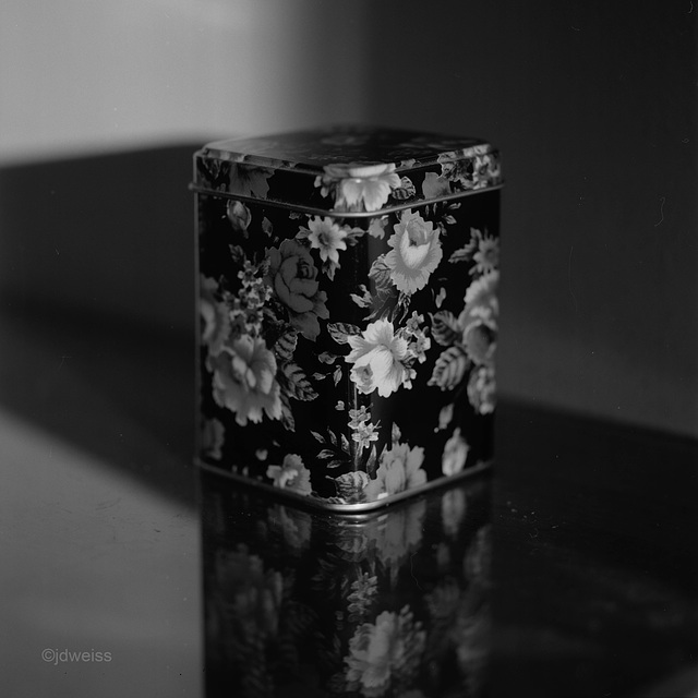 flowered tin
