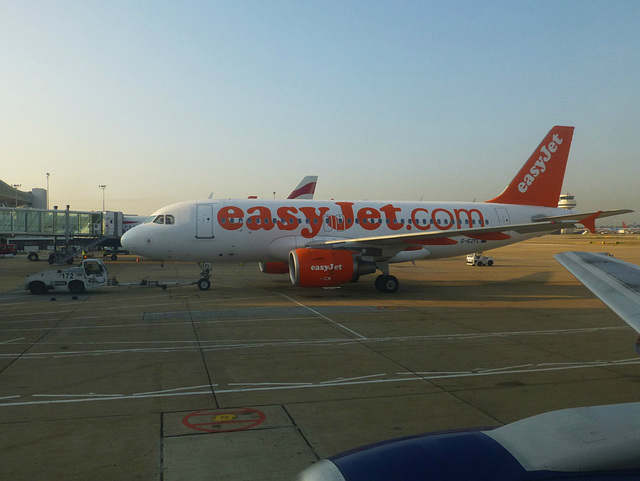 Snapshots from Gatwick (1) - 4 September 2013