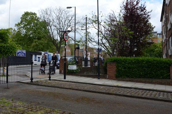 Gated entry, Ward Road