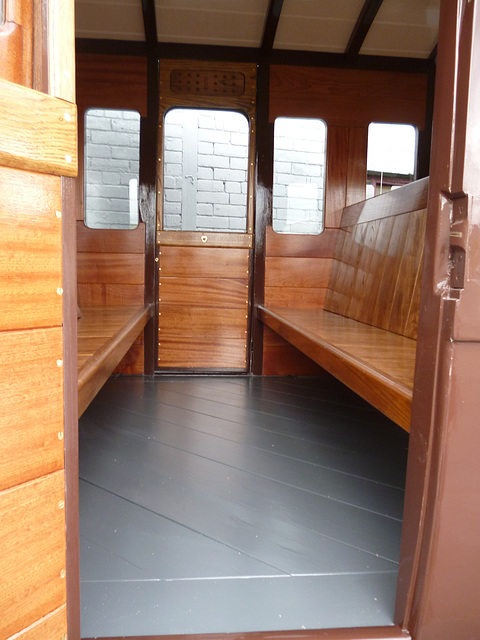 NSR 127 - compartment floor detail