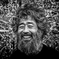 rire à la vie : Seung Ho Yang