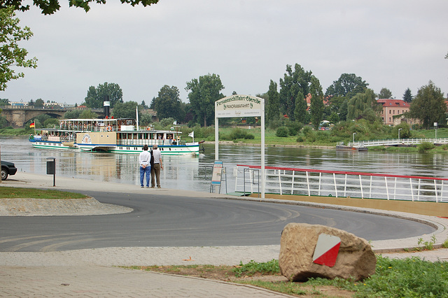 "Radvaporŝipo ""Meissen"" en Pirna"