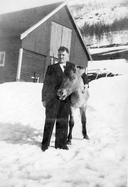 (162) Arnold Svendsen og Lyna på Bergum