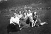 (186) Arnold og Jenny Svendsen, Hilma (Svendsen) Solem, Jens Bergum, Randi (Svendsen) Tryti