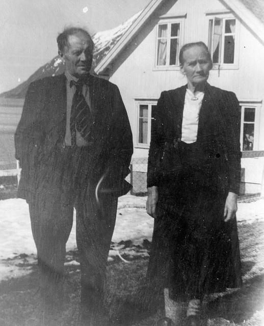 (204) Jens Johan og Elisabeth Marie Johannessen
