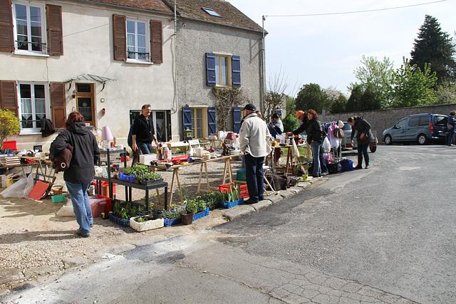 Vide-greniers - 1er mai 2013