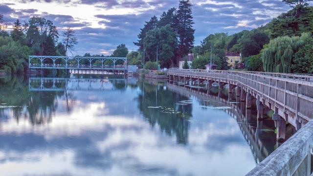 Henley Lock and weir
