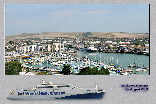 HD1 Catamaran Ferry at Newhaven from the Fort - 6.8.2009