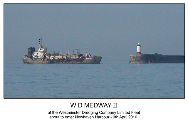 WD Medway II passing Newhaven light - 9.4.2010