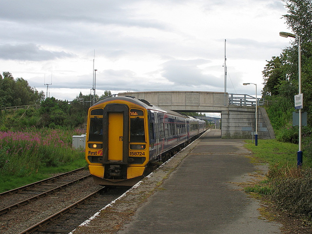 158724/158720 leave Dingwall for the Far North