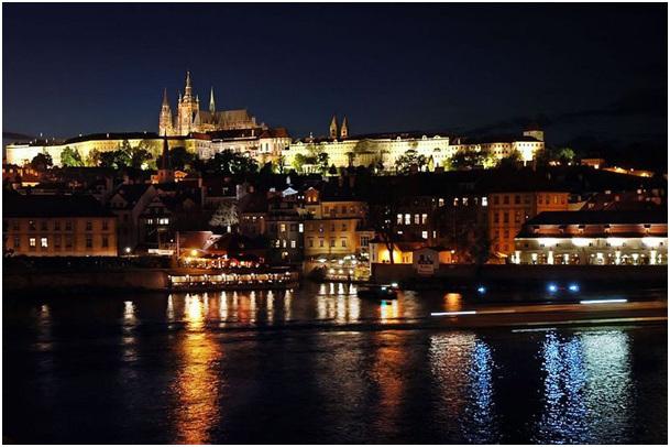 Ĉefurbo Prago (Praha) kastelo