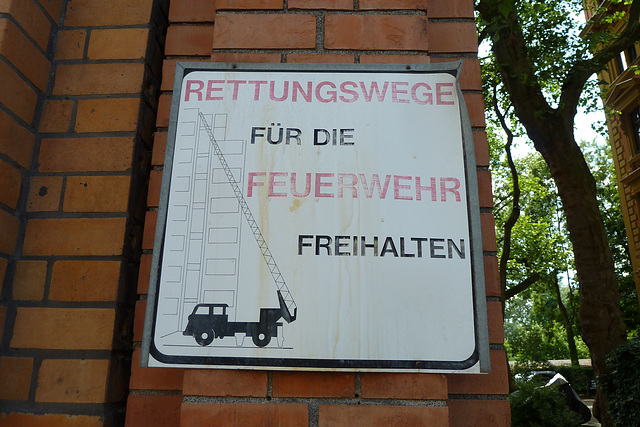 Leipzig 2013 – Keep road clear for the fire department