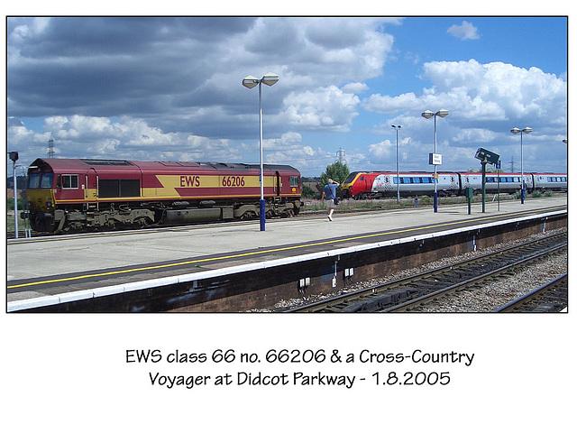 EWS 66206 & Voyager at Didcot Parkway 1 8 05