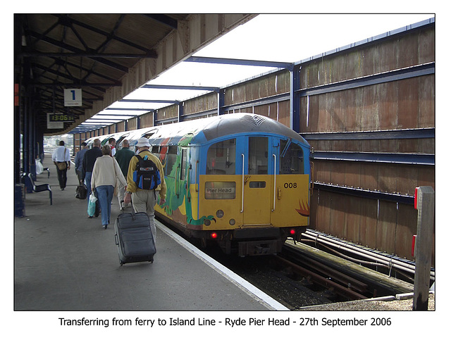 Island Line 008 Ryde Pier Head 27 9 2006
