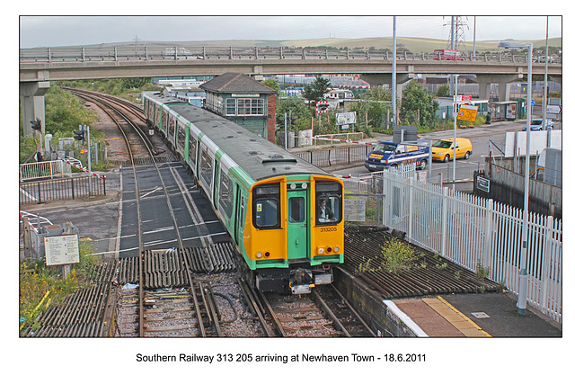 Southern Railway 313 205 arriving at Newhaven Town 18 6 2011