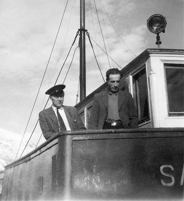 Oskar Nilsen og Signold Solem på Saudafjord