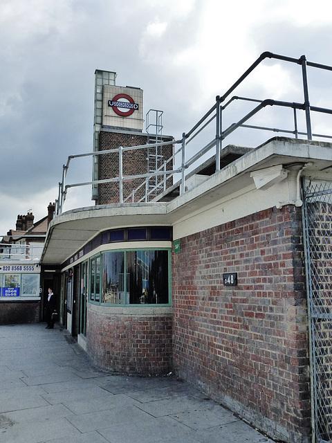 boston manor station, brentford, london