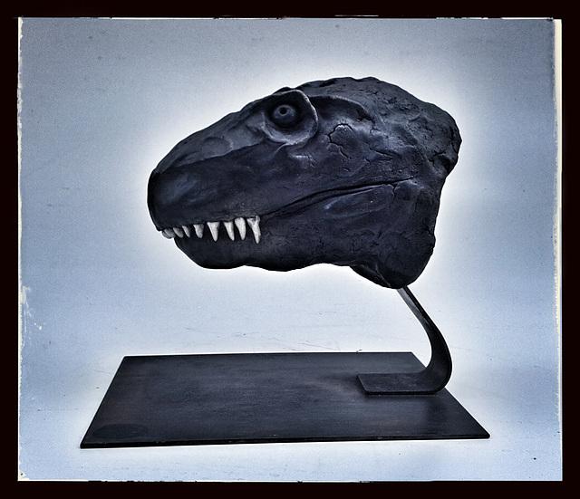 Tyrannosaure Grès Raku patiné L 30 H 24 l 15