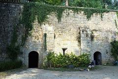 Celliers de l'abbaye de Nanteuil-en-Vallée