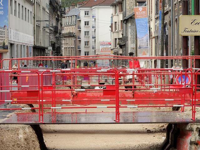 BESANCON: Travaux du tram 2013.06.24 - 15.